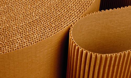 VELPRØVD: Bølgepapp er en av ganske få produkter i verden som har endret seg ganske lite på hundre år. Men ingenting tyder på at dette emballasjematerialet vil gå av moten.
