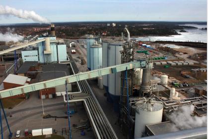 ENDA STØRRE? Verdens største produsent av drikkekartong blir kanskje enda større – og selvforsynt med masse. Foto: Astri Kløvstad.