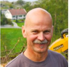 LETTELSE: Geir Jostein Søndenaa er glad over at ansvaret for skogsmaskinene og de ansatte nå er overtatt av AT Skog.